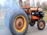 Trator com Turbo