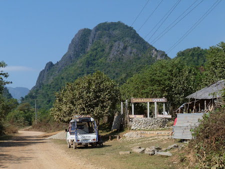 Prin satele din Laos