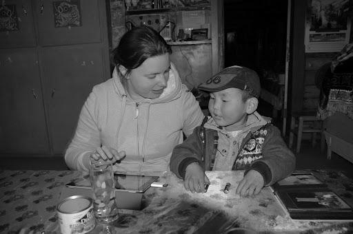 Xinjiang, Baihaba - Echange avec jeune Tuwa