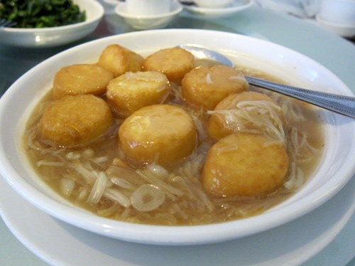 Beancurd (Tofu) with Enoki & ConpoyDried Scallops