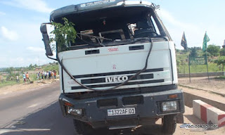 Camion accidenté sur la nationale n°1, 30 décembre 2010.