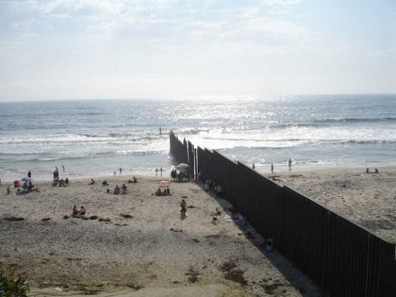 the-beach-on-the-pacific-ocean-at-the-u-s-mexico-border-from-the-mexican-side.jpg
