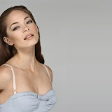 kirsten-kreuk12-1600x1200-zackery.jpg