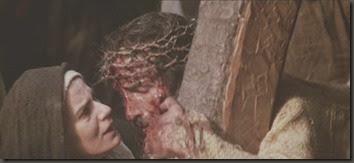 JESUS SE ENCUENTRA CON SU MADRE