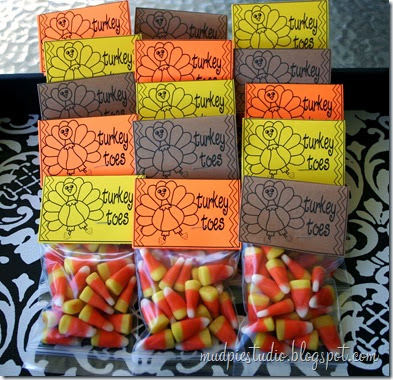 Turkey Toes Thanksgiving Treat Bag Labels from mudpiestudio.blogspot.com