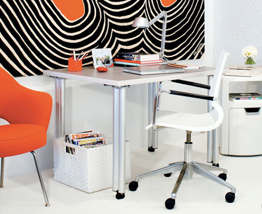 For an ultra-mod look, keep whites bold and lines graphic. Mixing in oranges and blacks to a very clean canvas will ensure bursts of color. (http://www.apartmenttherapy.com/)