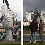 Montage statue.jpg
