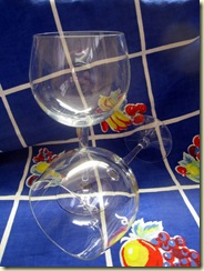 pair o' wineglasses