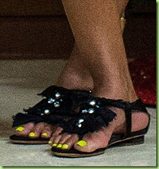 yellow neon pedicure