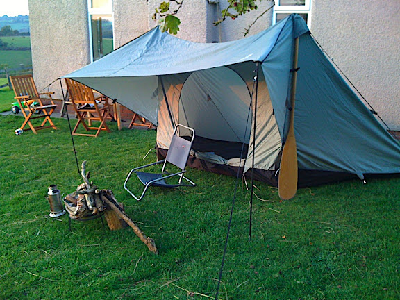 2minutes later it's up and looking good for a modern, small-scale 'campfire tent'!!