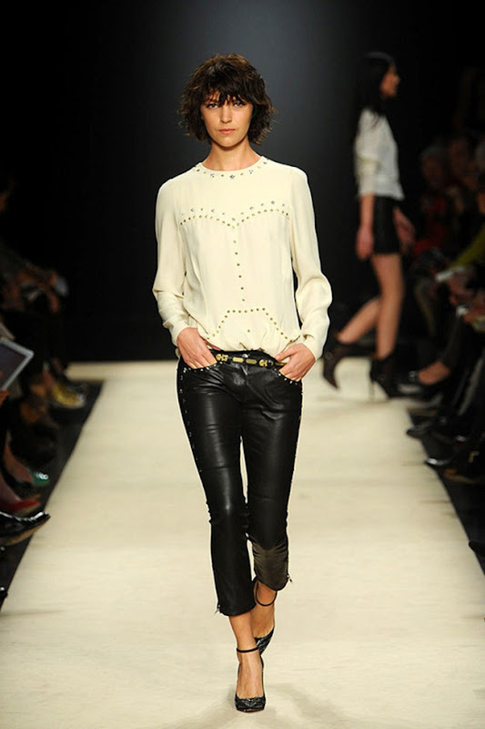 Isabel-marant-FALL-2012-RTW-podium-037_runway
