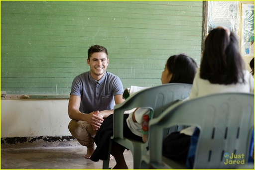 zac-efron-phillipines-trip-07