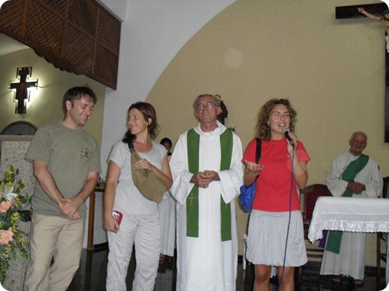 Grupo de Italianos visista comunidade