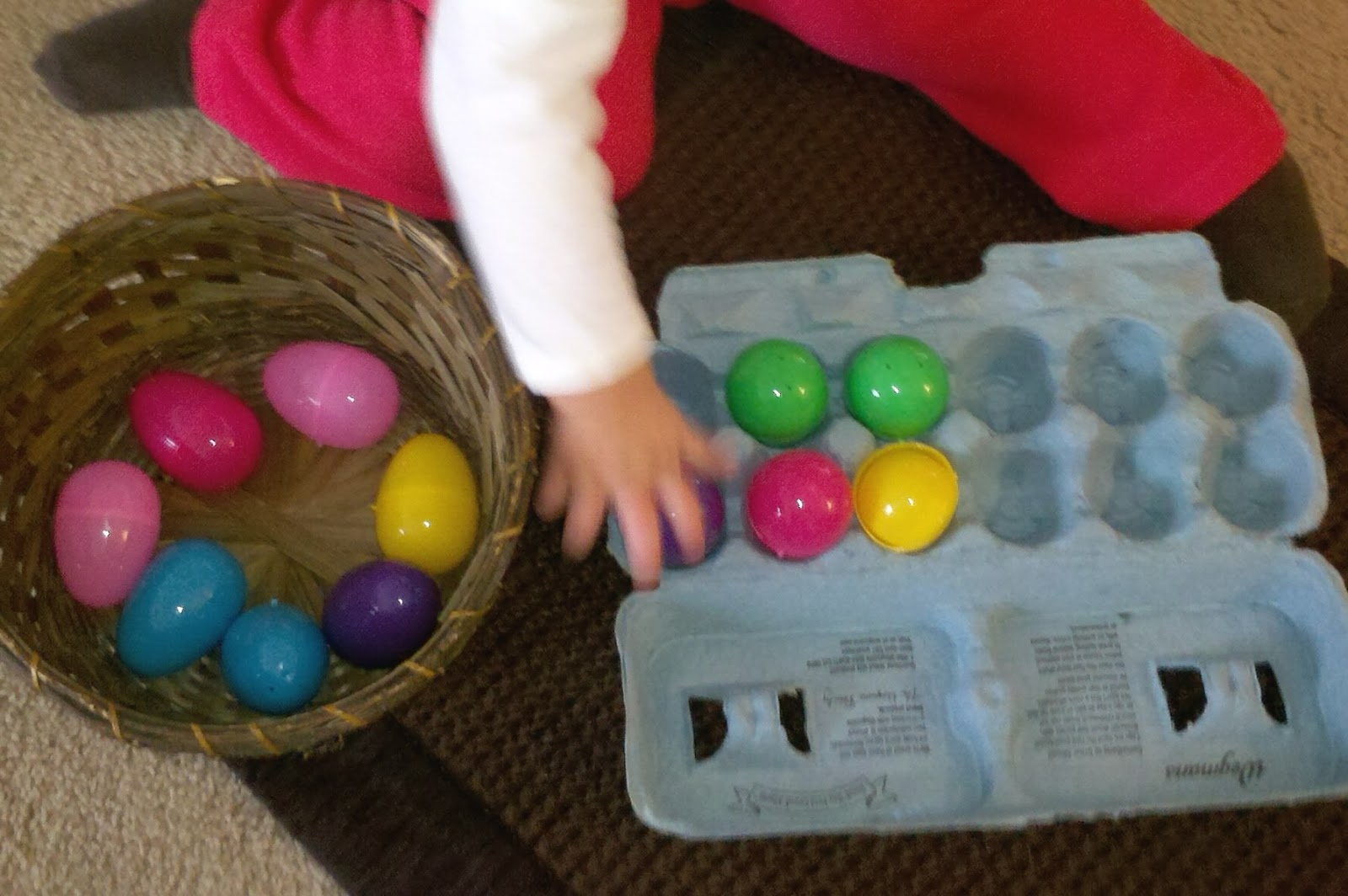 Peaceful parenting 12 activities using plastic easter eggs and egg 12 activities using plastic easter eggs and egg cartons urtaz Images