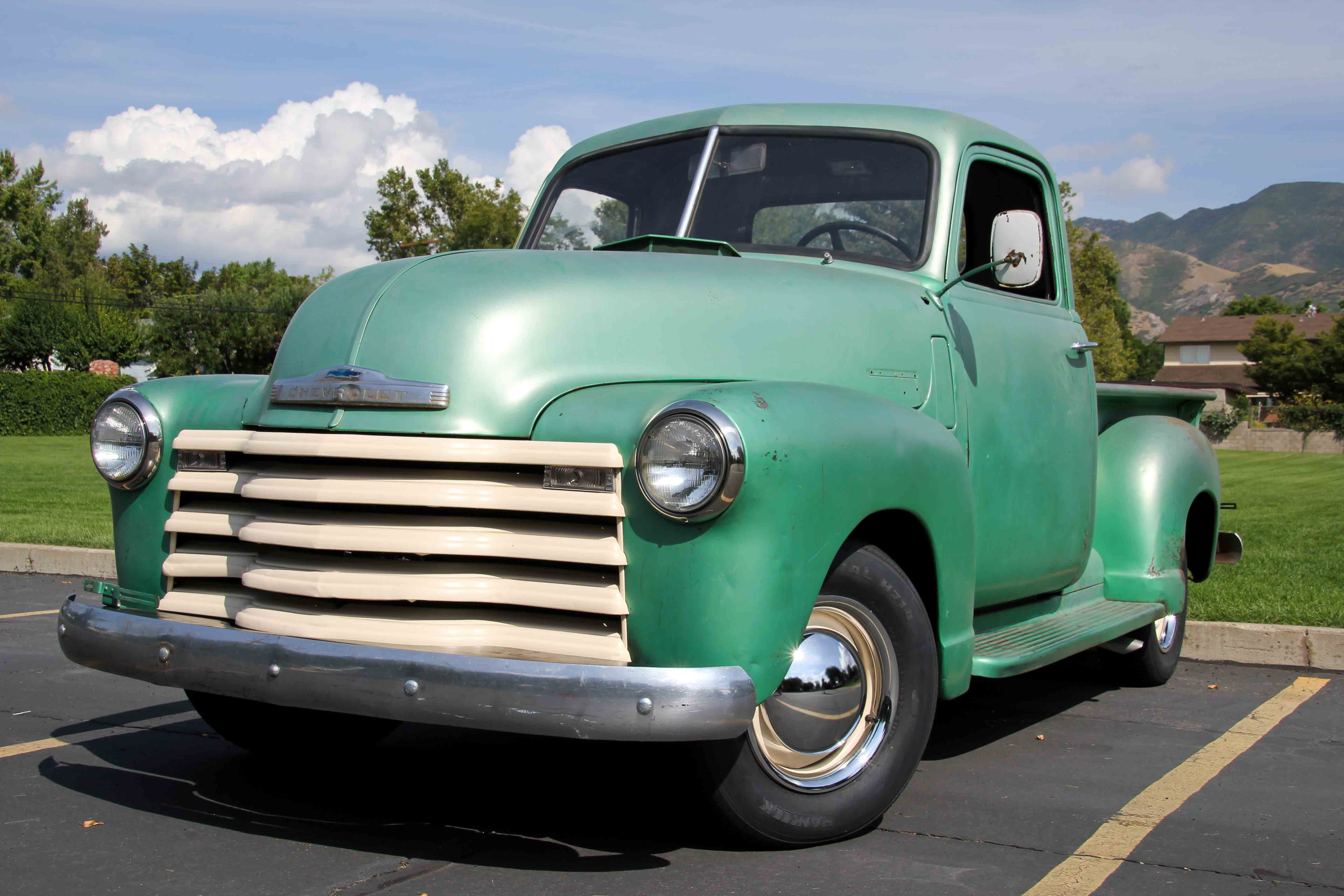 1940s And 1950s Chevy Trucks For - 395.3KB