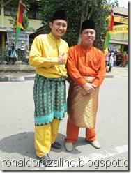 Ronaldo Rozalino dengan Efrizon Marzuki AP.Msi di Pawai Budaya Kabupaten Kuantan Singingi di Hadiri Mambang Mit Wagub Riau 8