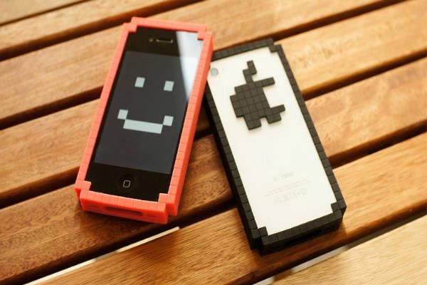 Capinha-Iphone-Pixels-8-Bit-Vermelho-Branco-Preto