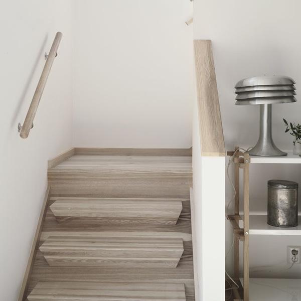 caseeinterni - scala legno decapato