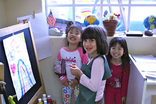 montessori-preschool-irvine-enjoying-art