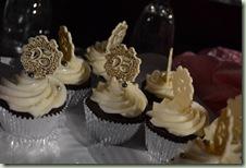 25 cupcakes