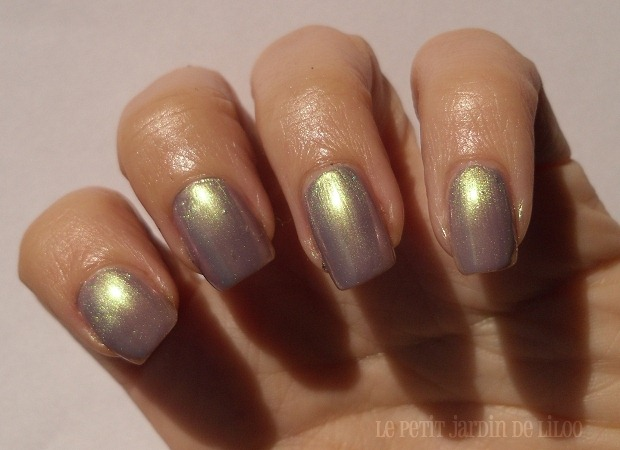 003-rimmel-nail-polish-metal-rush-pearly-queen-duochrome-swatch-review