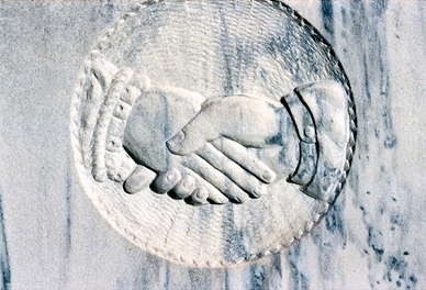 Clasped Hands engraving--Susanna B. Vance grave