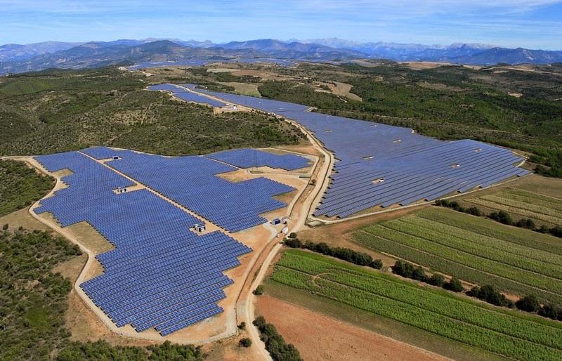les-mees-solar-farm-4