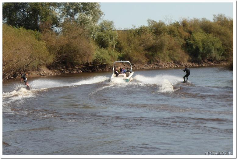 SAM_3021 water Skiing