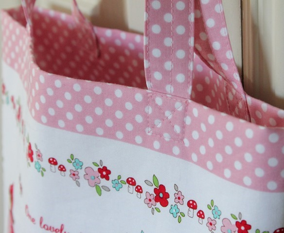 Little Red Riding Hood tote bag tutorial