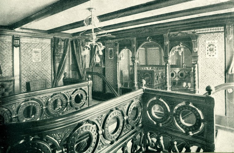 Vapor ISLA DE PANAY. Entrada a la cámara. Foto del LIBRO DE INFORMACION PARA EL PASAJERO. COMPAÑÍA TRASATLANTICA.. AÑO 1919.JPG