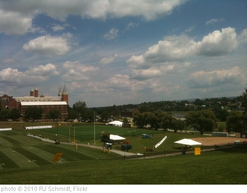 'Pittsburgh Steelers Training Camp 2010' photo (c) 2010, RJ Schmidt - license: http://creativecommons.org/licenses/by-nd/2.0/