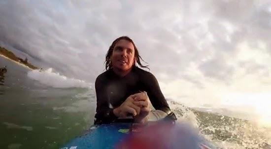 Barney Miller surfista 04