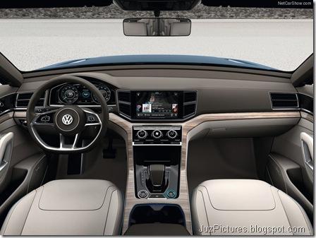 Volkswagen-CrossBlue_Concept_2013_800x600_wallpaper_09
