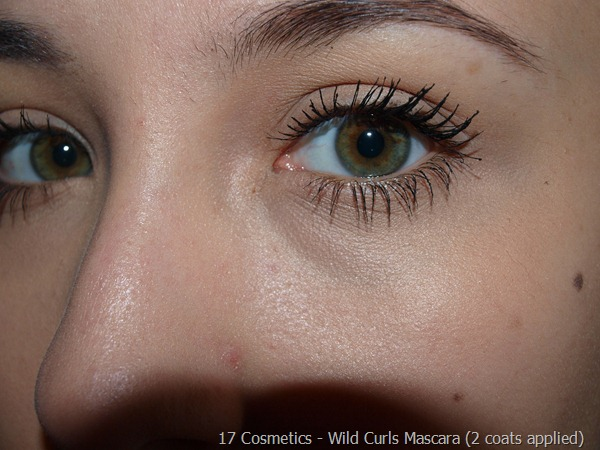 06-17-Cosmetics-Mascara-Review  Wild Curls 2 coats