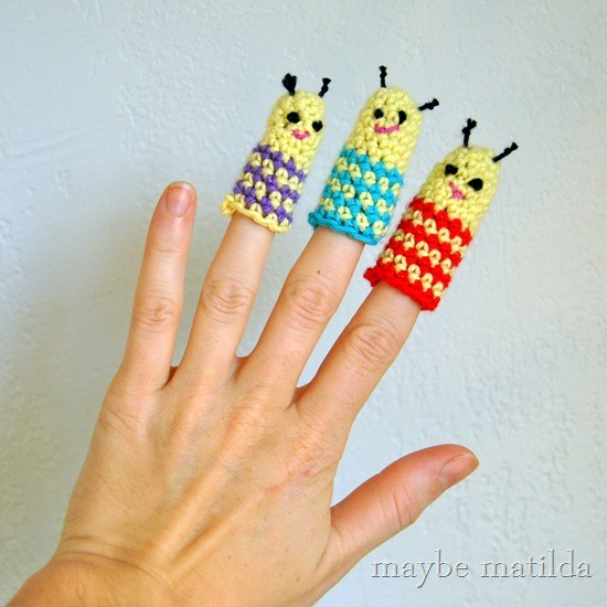 Free pattern to crochet these sweet little bug finger puppets!