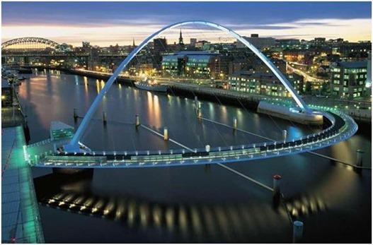 Gateshead Millennium Bridge de noite