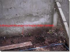 pipa pembuangan air dalam tembok
