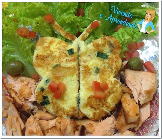 Salmão com salada e omelete borboleta1