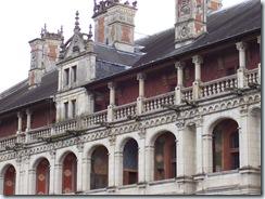 2004.08.28-045 façade des loges