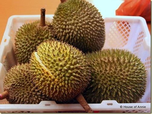 durians 14 ringgit per kilo