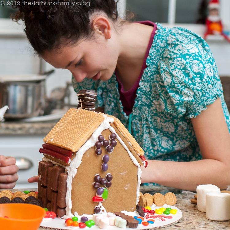 Gingerbread Houses 2012 blog-14