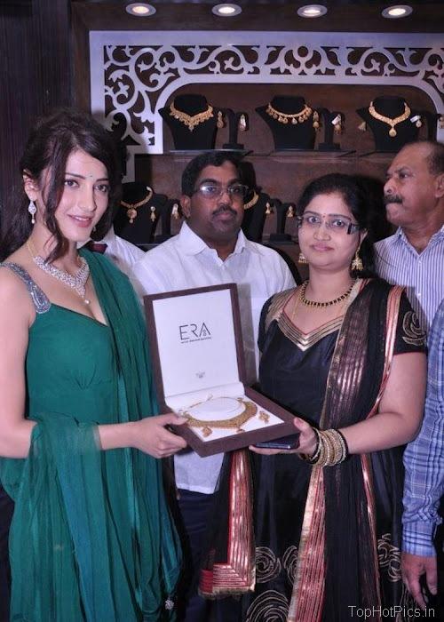 Shruti Hassan Hot Navel Photos 2012 10