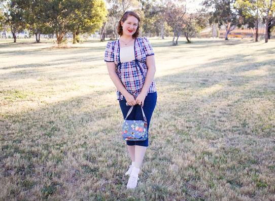 Vintage plaid maternity top paired with capris and plimsols | Lavender & Twill