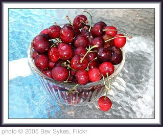 'cherries' photo (c) 2005, Bev Sykes - license: http://creativecommons.org/licenses/by/2.0/
