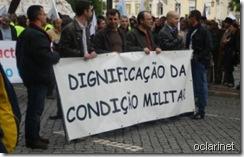 Militares.Manif 12 Nov 2011