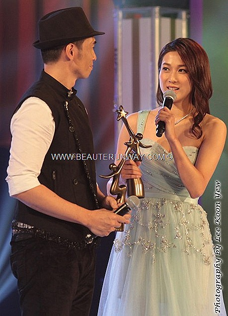 Starhub TVB Awards 2012 Winner Moses Chan Ho Linda Chung Ka yan My Favourite TVB Female Male Character My Favourite Onscreen Couple Yes Sir, Sorry Sir  When Heavens Burns Bowie Lam Charmaine Sheh Bowie Lam L'Escargot Singapore MBS
