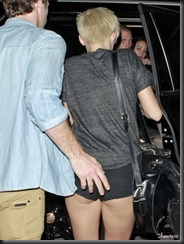 miley-cyrus-bar-fight-drunk-0911-12-675x900