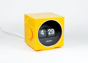 Seth Thomas Speed read cube lite flip clock, yellow