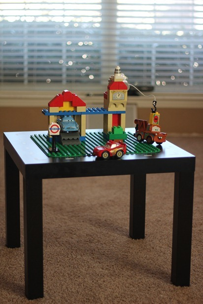 Lego Table 01