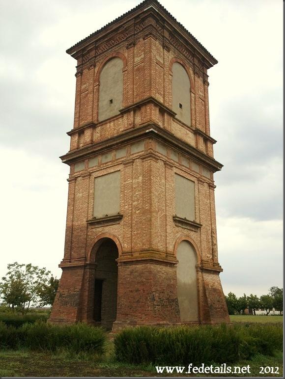 Torre colombaia della Delizia del Verginese, Ferrara, Italia - Dovecote tower of Delight Verginese, Ferrara, Italy